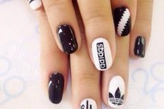 uñas decoradas blanco y negro 12