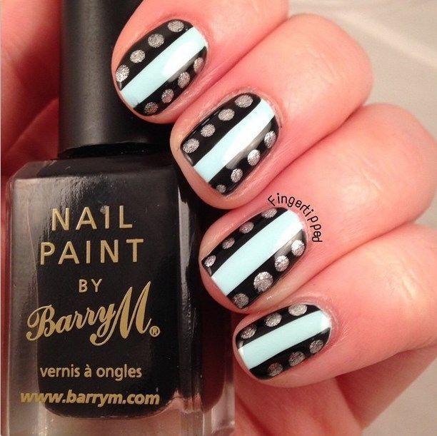 uñas decoradas blanco y negro 2